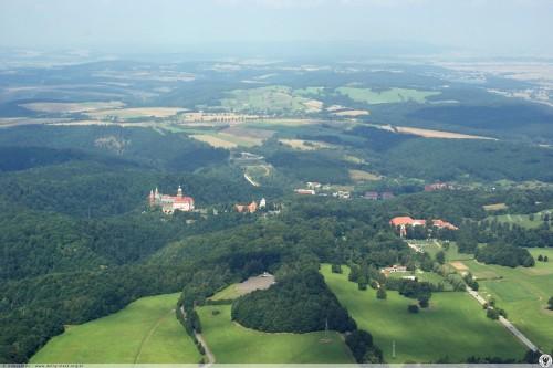 Zdjęcie lotnicze autorstwa Krzysztofa Kobusińskiego (źródło: http://dolny-slask.org.pl/4861019,foto.html)