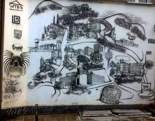 Graffiti na budynku przy Grota-Roweckiego 20