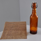 Link do zdjęcia w pełnym rozmiarze: http://nasz.walbrzych.pl/wp-content/uploads/2015/03/List-w-butelce-odnaleziony-po-83-latach-w-Starej-Kopalni.jpg