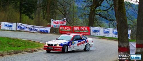 Na zdjęciu załoga Virnik/Majewski (BMW M3) prowadząca po pierwszym dniu rajdu w klasie OPEN 2WD [źródło: www.fb.com/rajdswidnickiKRAUSE]
