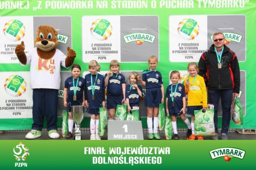 Zwycięska drużyna dziewcząt U-8 SP 2 Milicz (fot. A.Kraszewski)
