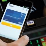 Płatność zbliżeniowa telefonem (źródło: visa.com)