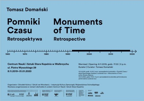 """Wystawa """"Pomniki czasu"""" Tomasza Domańskiego"""
